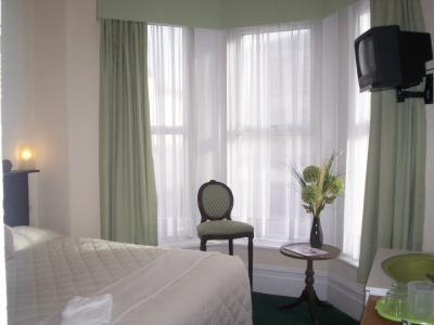 Double room on the front with sea view